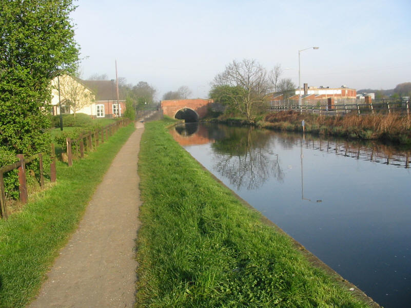 Stret Lock towards Deep Lock on Chesterfield Canal